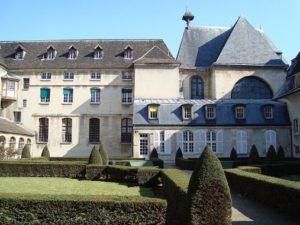 1024px-Cloitre_de_Port-Royal_Paris,_Cochin